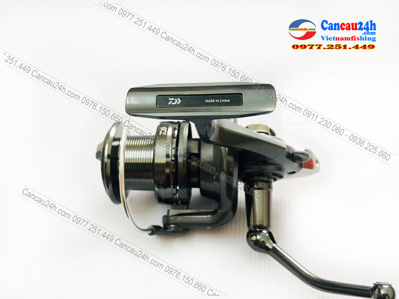 may-cau-ca-daiwa-shorecast-ss-5000-coi-nong-chinh-hang-nhat-ban