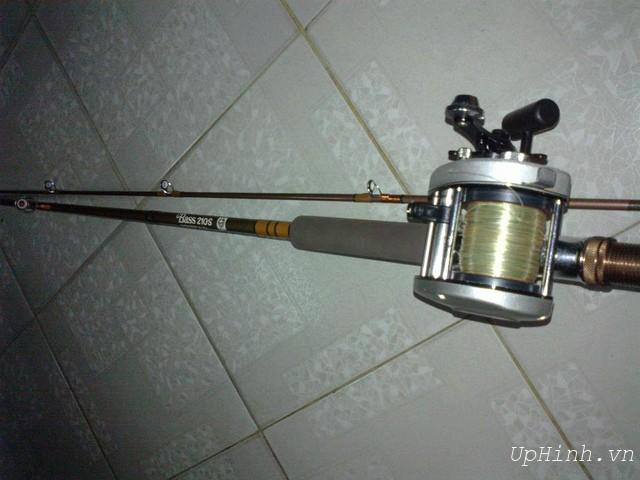 Cần câu cá máy ngang